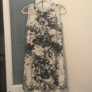 Cute H&M dress! Never worn/price tag attached!